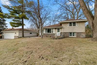Edina Single Family Home For Sale: 7716 Glasgow Drive