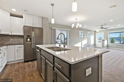 Rogers Condo/Townhouse For Sale: 11574 Woodside Drive N