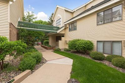 Edina Condo/Townhouse For Sale: 7622 York Avenue S #1302