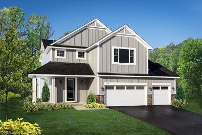 Lakeville Single Family Home For Sale: 20037 Hamlet Lane