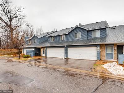 Oakdale Condo/Townhouse For Sale: 4856 Helena Lane N #11