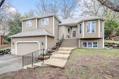 Eagan Single Family Home For Sale: 4651 Parkcliff Drive