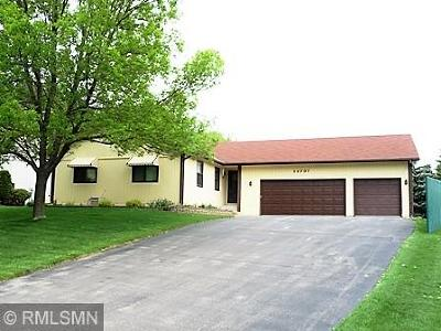 Apple Valley Single Family Home For Sale: 12737 Eveleth Path