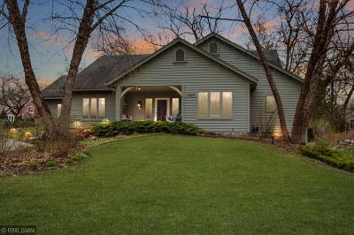 Lakeville Single Family Home For Sale: 17823 Lake Cove Circle