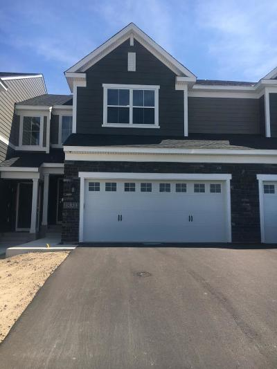 Lakeville Condo/Townhouse For Sale: 18311 Glassner Way