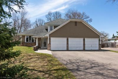 Wayzata Single Family Home For Sale: 100 Hunters Glen Road