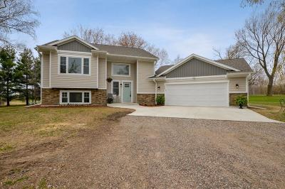 Monticello Single Family Home For Sale: 975 100th Street NE