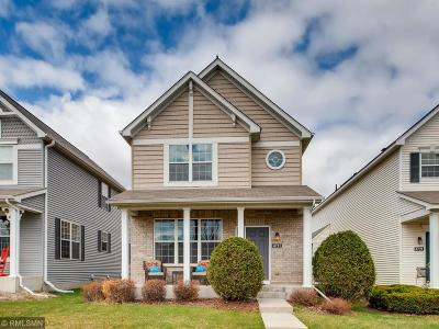 Shakopee Condo/Townhouse Contingent: 4711 Village Square Boulevard N