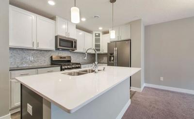 Rogers Condo/Townhouse For Sale: 11580 Woodside Drive