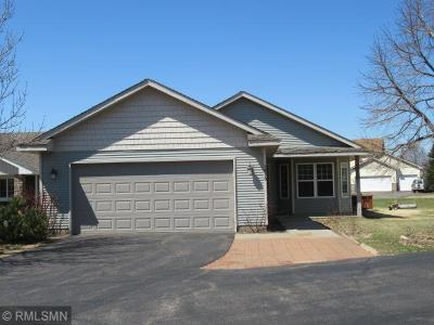 Isanti Condo/Townhouse For Sale: 1010 Pleasantview Court NW