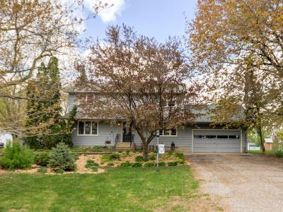 Saint Bonifacius Single Family Home For Sale: 8408 Kennedy Memorial Drive