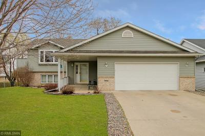 Sartell, Sauk Rapids Single Family Home Contingent: 1326 Summit Avenue N