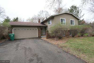 Maple Grove Single Family Home For Sale: 9931 Ives Lane N