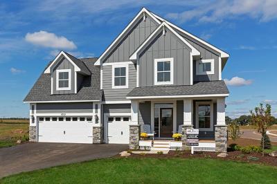 Lakeville Single Family Home For Sale: 16340 Draft Horse Boulevard