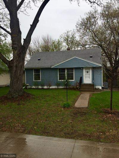 Roseville Single Family Home For Sale: 729 County Road B2 W