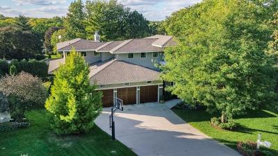 Edina Single Family Home For Sale: 5516 Merritt Circle