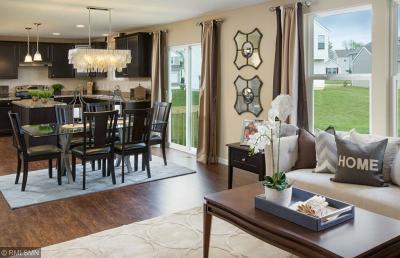 Prior Lake Single Family Home For Sale: 5066 Trillium Cove NE