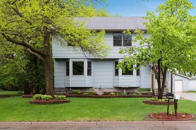 White Bear Lake Single Family Home For Sale: 4869 Woodcrest Road