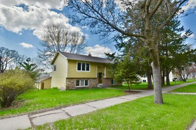 Sartell, Sauk Rapids Single Family Home Contingent: 613 2nd Avenue N