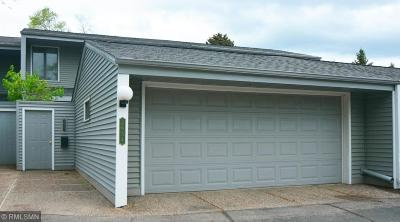 Roseville Condo/Townhouse For Sale: 2654 Mackubin Street