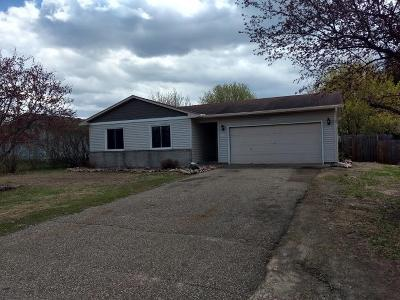 Isanti Single Family Home Contingent: 805 Dogwood Street SW