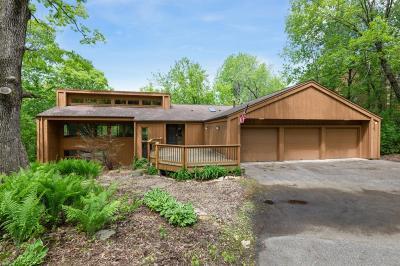 Burnsville Single Family Home For Sale: 2800 Woods Trail S