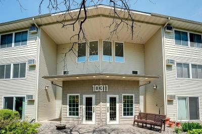 Minnetonka Condo/Townhouse Contingent: 10311 Cedar Lake Road #320