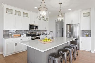 Lakeville Single Family Home For Sale: 16277 Duskwood Trail