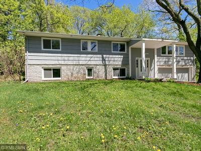 Minnetonka Single Family Home For Sale: 16020 Temple Drive