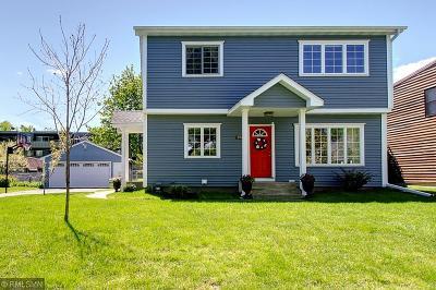 Roseville Single Family Home For Sale: 894 Lovell Avenue W