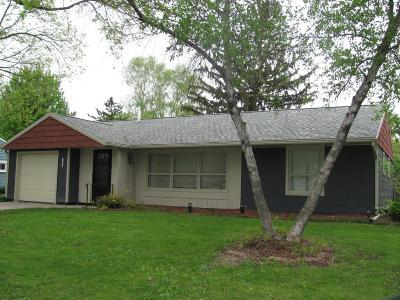 Rochester MN Single Family Home For Sale: $165,000