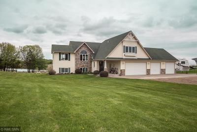 Chisago County Single Family Home For Sale: 27560 Nester Avenue