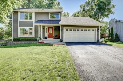 Plymouth Single Family Home Contingent: 4270 Larch Place N