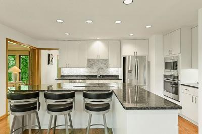 Minnetonka Single Family Home For Sale: 2621 Abbey Hill Drive
