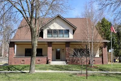 Northfield Single Family Home For Sale: 907 4th Street E