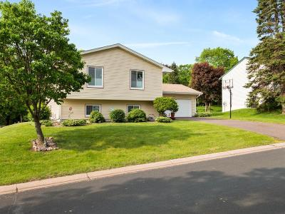 Shoreview Single Family Home For Sale: 586 Kent Lane