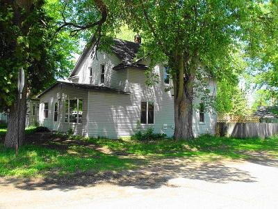 Crosby Single Family Home For Sale: 1001 Birch Street