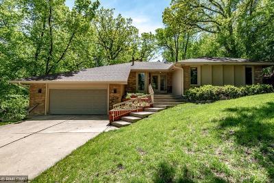 Minnetonka Single Family Home For Sale: 2980 Minnehaha Curve