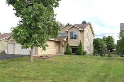 Isanti Single Family Home For Sale: 402 Cardinal Court NW