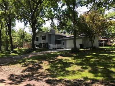 Maple Grove Single Family Home For Sale: 10773 Garland Lane N