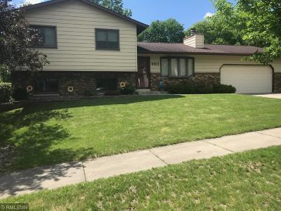 Rochester Single Family Home For Sale: 5611 Longboat Road NW