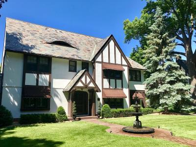 Saint Paul Single Family Home For Sale: 2225 Summit Avenue