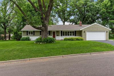 Edina Single Family Home For Sale: 6208 Crescent Drive