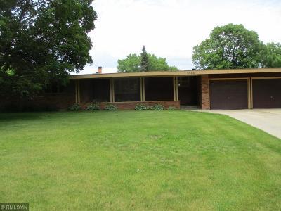 Edina Single Family Home For Sale: 5504 Merritt Circle