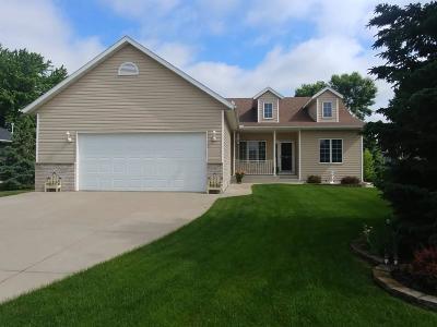 Northfield Single Family Home For Sale: 407 Riley Drive