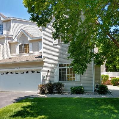 Eden Prairie Condo/Townhouse For Sale: 17746 Hackberry Court