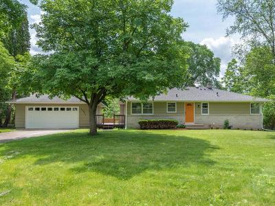 Eden Prairie Single Family Home For Sale: 17851 Sterling Terrace
