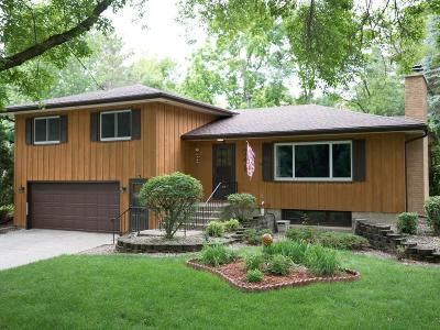 Northfield Single Family Home For Sale: 746 Sibley Drive