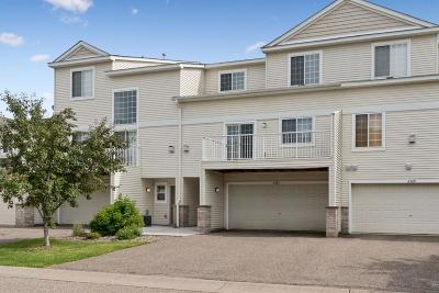 Maple Grove Condo/Townhouse For Sale: 6567 Olive Lane N