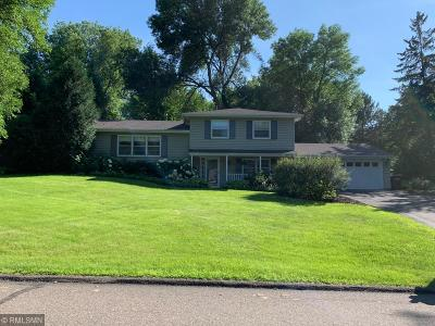 Minnetonka Single Family Home For Sale: 5020 Clear Spring Drive